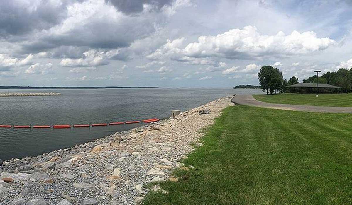 Lake Rend